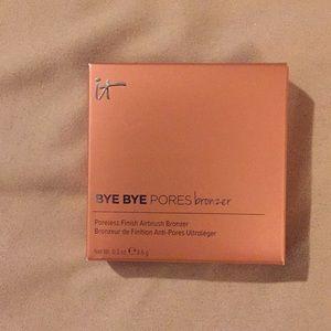 New It cosmetics bye-bye Pore bronzer